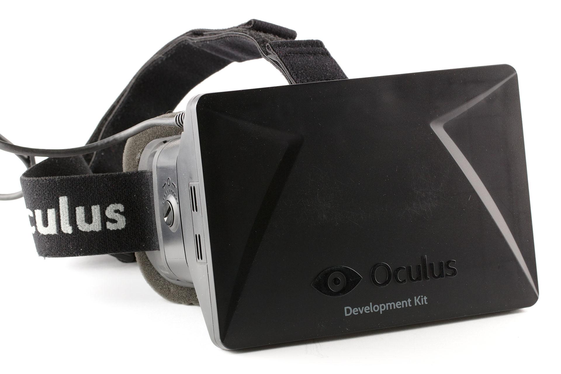 Une version développeur du casque de VR Oculus Rift en 2013 (CC).